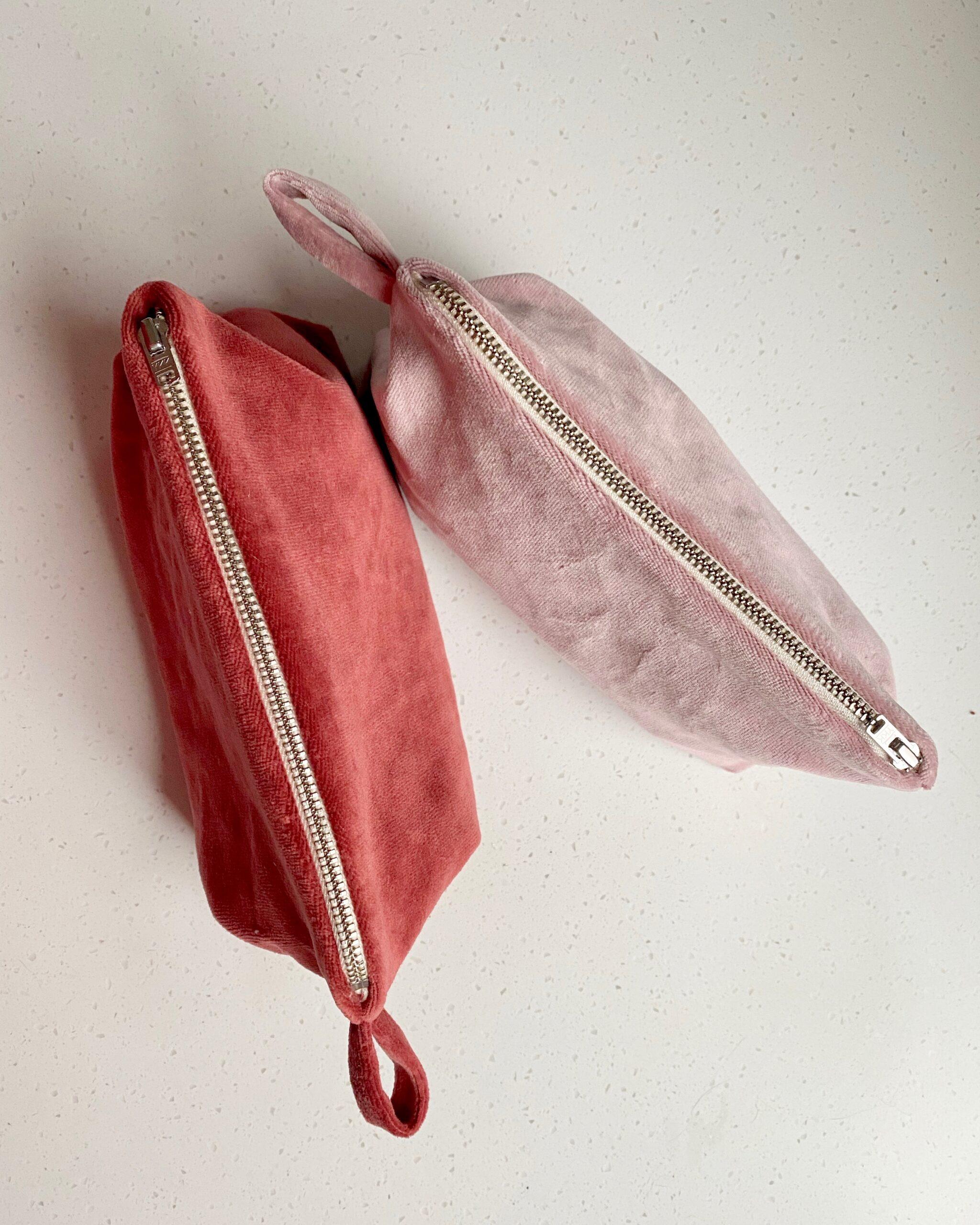 Organic velvet wash bag